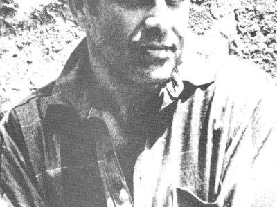 Ivan Martinac ispred crkvice Svetog Nikole, 1986